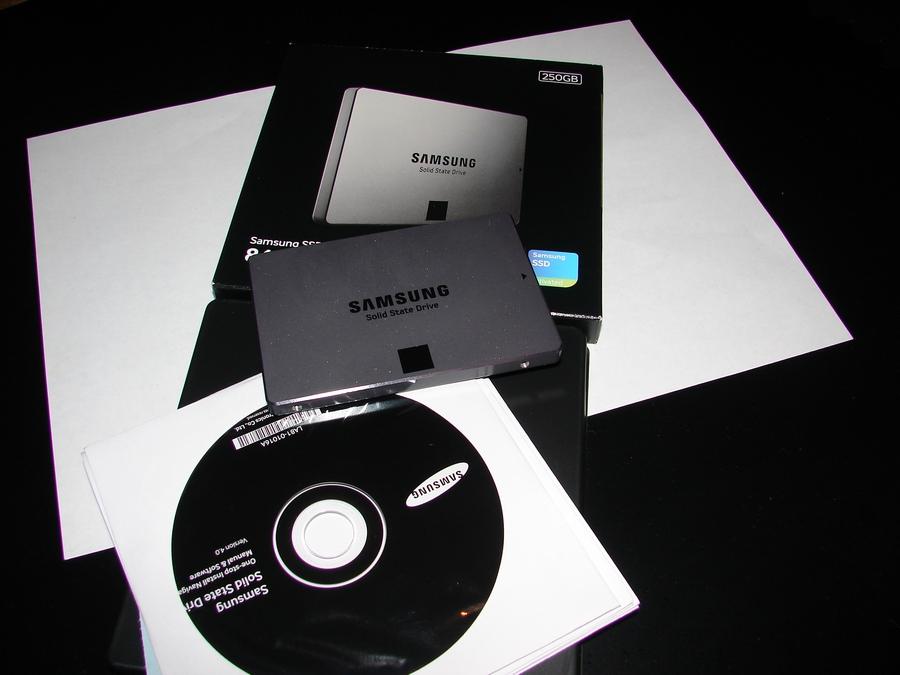 "Жесткий диск для системного блока за 80 000 рублей SSD 250ГБ, 2.5"", SATA III, Samsung 840 EVO Series."