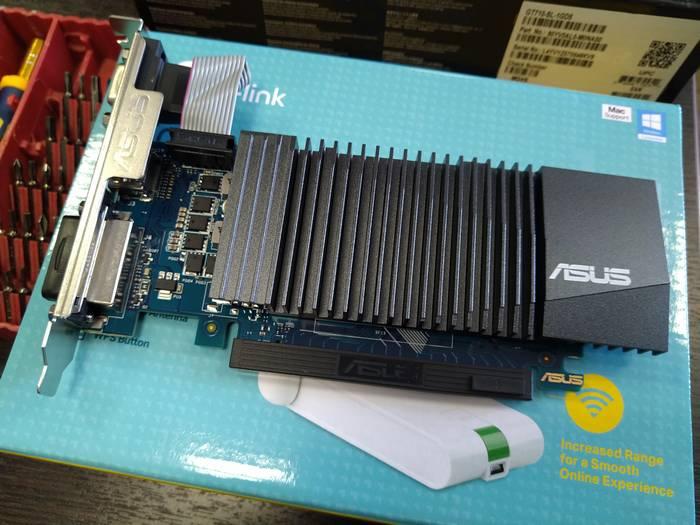 Чудесная видеокарта Asus geForce 710 - большой радиатор, 3 видеовыхода для совместимости с мониторами разных поколений