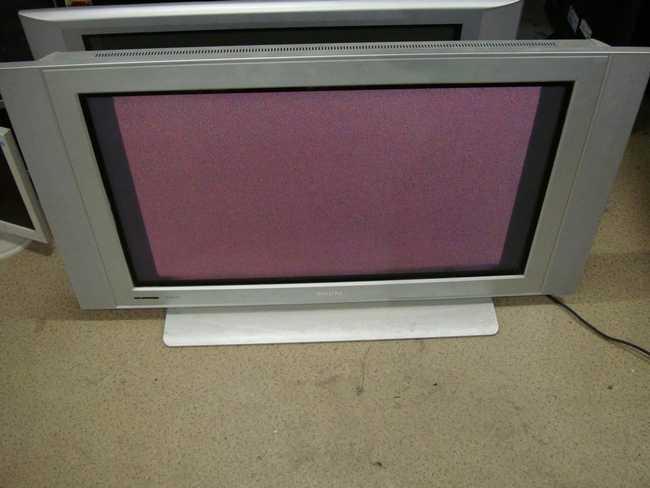 Телевизоры по плазменной технологии так же понемногу выбывают из эксплуатации. И их так же нужно куда-то девать - дарить, выбрасывать, продавать, вывозить за плату