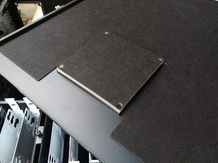 XL-ATX FRACTAL DESIGN Define XL R2. Отличный корпус. Ещё до покупки было понятно что он не подведёт. Но корпус =вообще удивил. Особенно толстенная звукоизоляция на стенках. И даже в местах установки доп. вентиляторов заглушки из того же материала